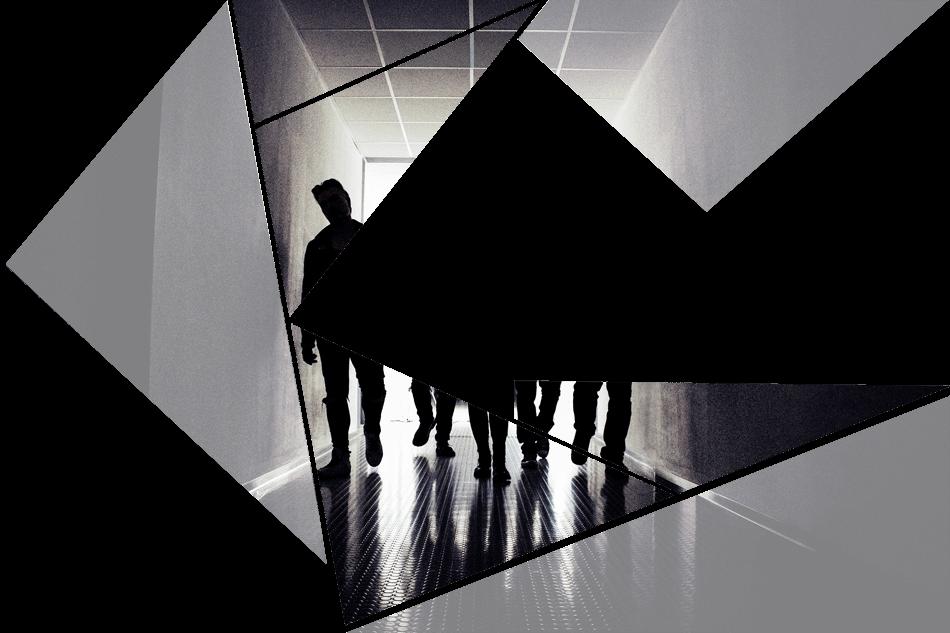 Puzzelteil 7 - Bandfoto - Stone Cold Love - 5 Personen im Schatten - Band im stilvoll beleuchteten Gang - preload Image 7